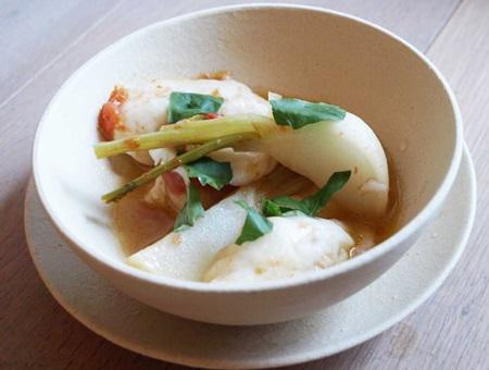 白すり身と魚介のアクアパッツァ風スープ